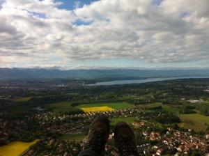 Lac et champs de Colza